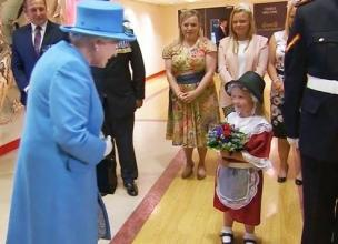 6 Year Old Maisie Got More Than She Bargained For After She Gave Queen Elizabeth ll Some Flowers