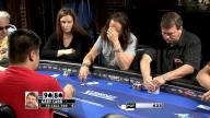 Reading Poker Tells - Long Looks At Hole Cards